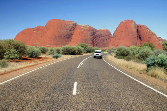 Buying and Driving a Car in Oz: A Guide by Carolyn Martin Featured Image