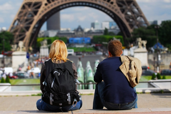 Women finally 'allowed' to wear trousers in Paris Featured Image