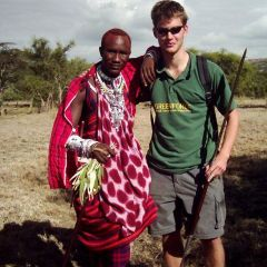 Maasai and greenforce volunteer