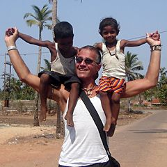 India-volunteer-01