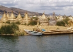 Peru lake titicaca uros reed island lake titicaca