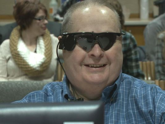 Blind man gets bionic eye, plans to travel Featured Image