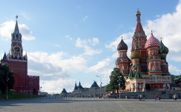 How to Travel Independently in Russia Featured Image