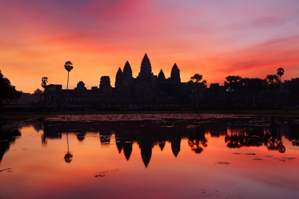 Limits put in place at Angkor Wat to stop tourists ruining sunsets Featured Image