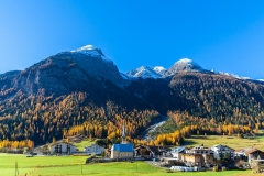 Swiss village bans tourist photos, believing its beauty will depress people online Featured Image