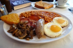11 Foods Brits Miss Most on Their Travels Featured Image