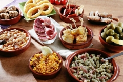 Traditional Food and Drink in Spain Featured Image