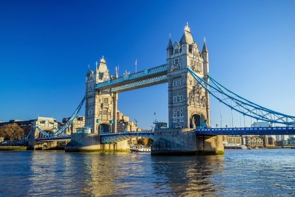 11 Reasons Why You Should Choose London for a Year Abroad Featured Image