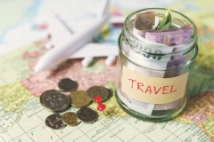 7 Money Management Top Tips for Travelling in a Group Featured Image