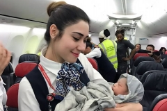 Airline crew delivers a baby mid-flight Featured Image