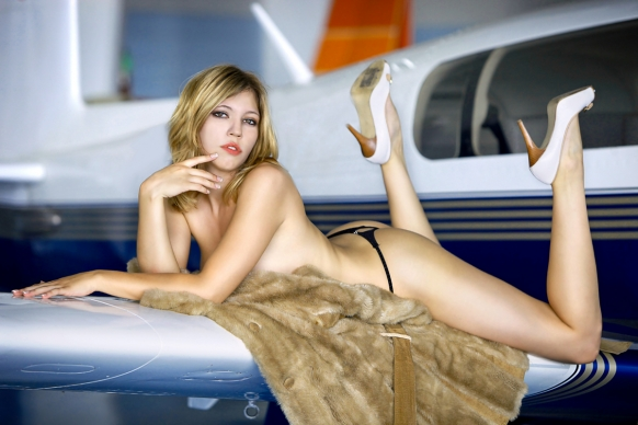 Sexy staff strip for Ryanair calendar Featured Image
