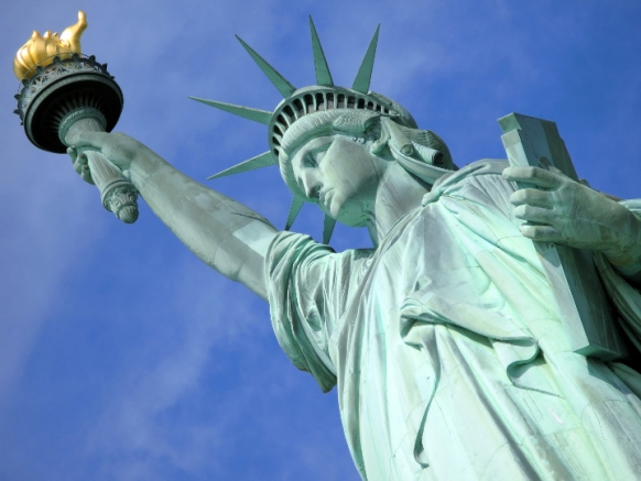 In love with the Statue of Liberty? Featured Image