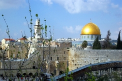 The Top 5 Things To Do in Amazing Israel Featured Image