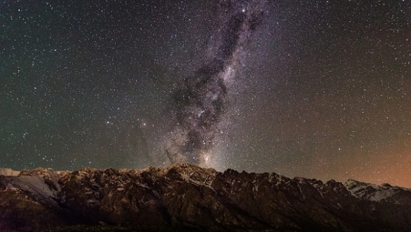 Top 8 Stargazing Destinations In the World Featured Image