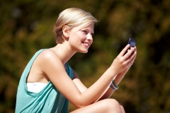 Using Your Smartphone Abroad Featured Image