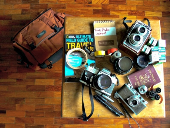 Packing Tips for Petite Travellers Featured Image
