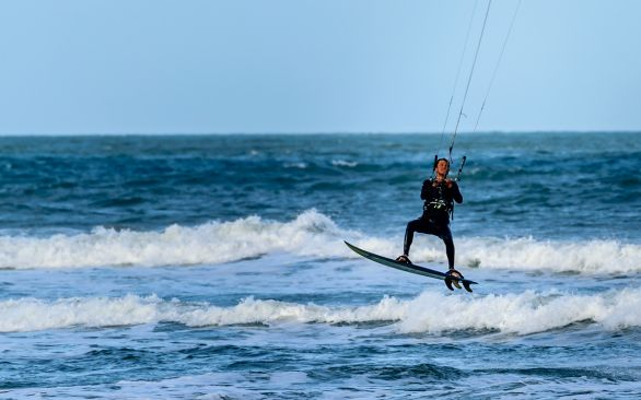 Kitesurfing & Language Course