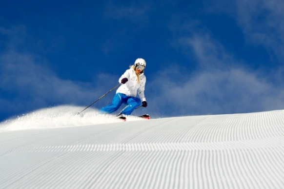 10 Reasons to Hit the Slopes on a Gap Year Featured Image