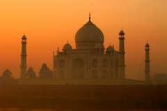 Taking a Tour in Incredible India Featured Image