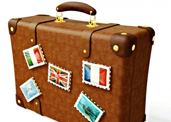 Man smuggles into Spain in a suitcase Featured Image