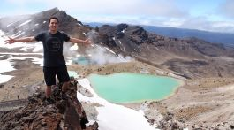 Stray - Tongariro crossing