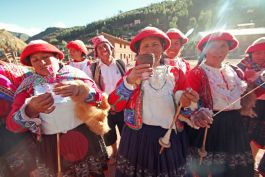 Peru Sacred Valley locals