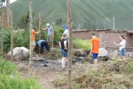 Rebuild the community in Urubamba, Peru
