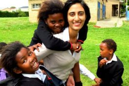 Volunteer in african schools development 12