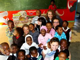 Volunteer in african schools development 9