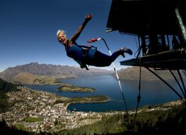 Bungy photos - ledge bungy3
